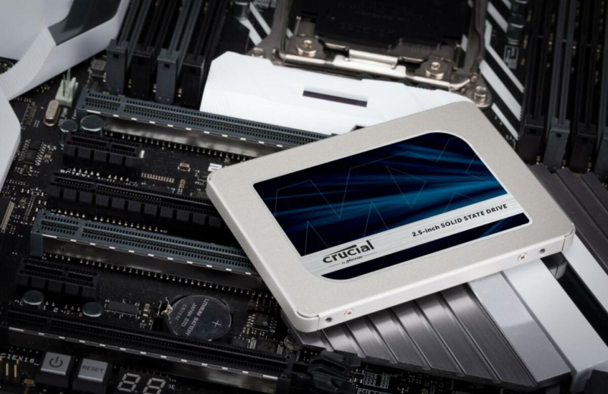 Le SSD Crucial MX500 d'une capacité de 2 To de stockage