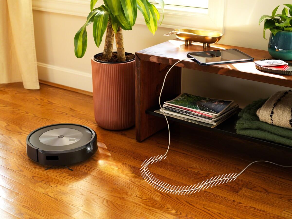 Le Roombaj7/j7+ sait éviter les câbles