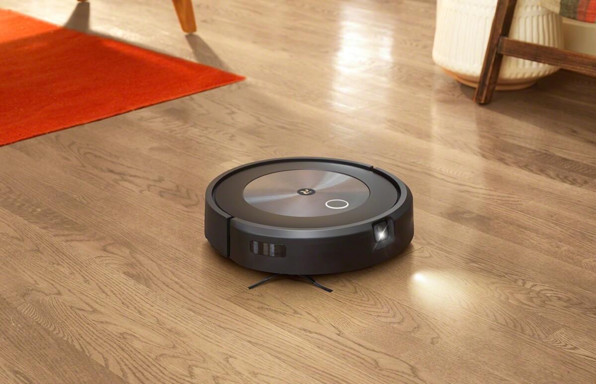L'aspirateur robot Roombaj7/j7+ est équipé d'une caméra placée désormais à l'avant