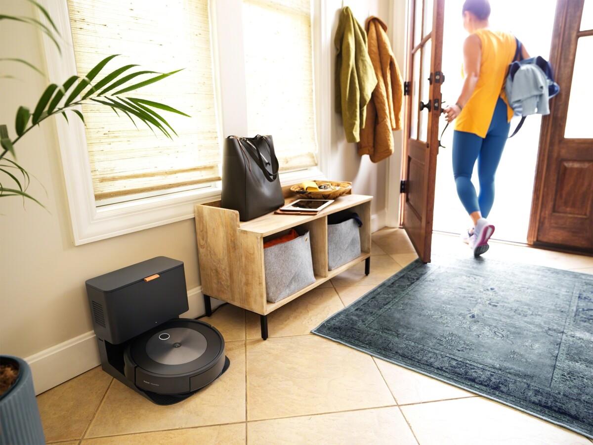 L'aspirateur robot Roombaj7/j7+