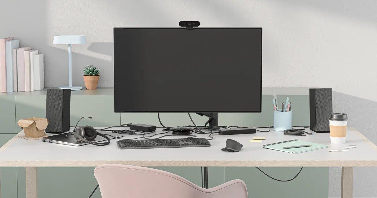 Logitech Logi Dock : voici une station d'accueil qui promet de débarrasser votre bureau de ses câbles