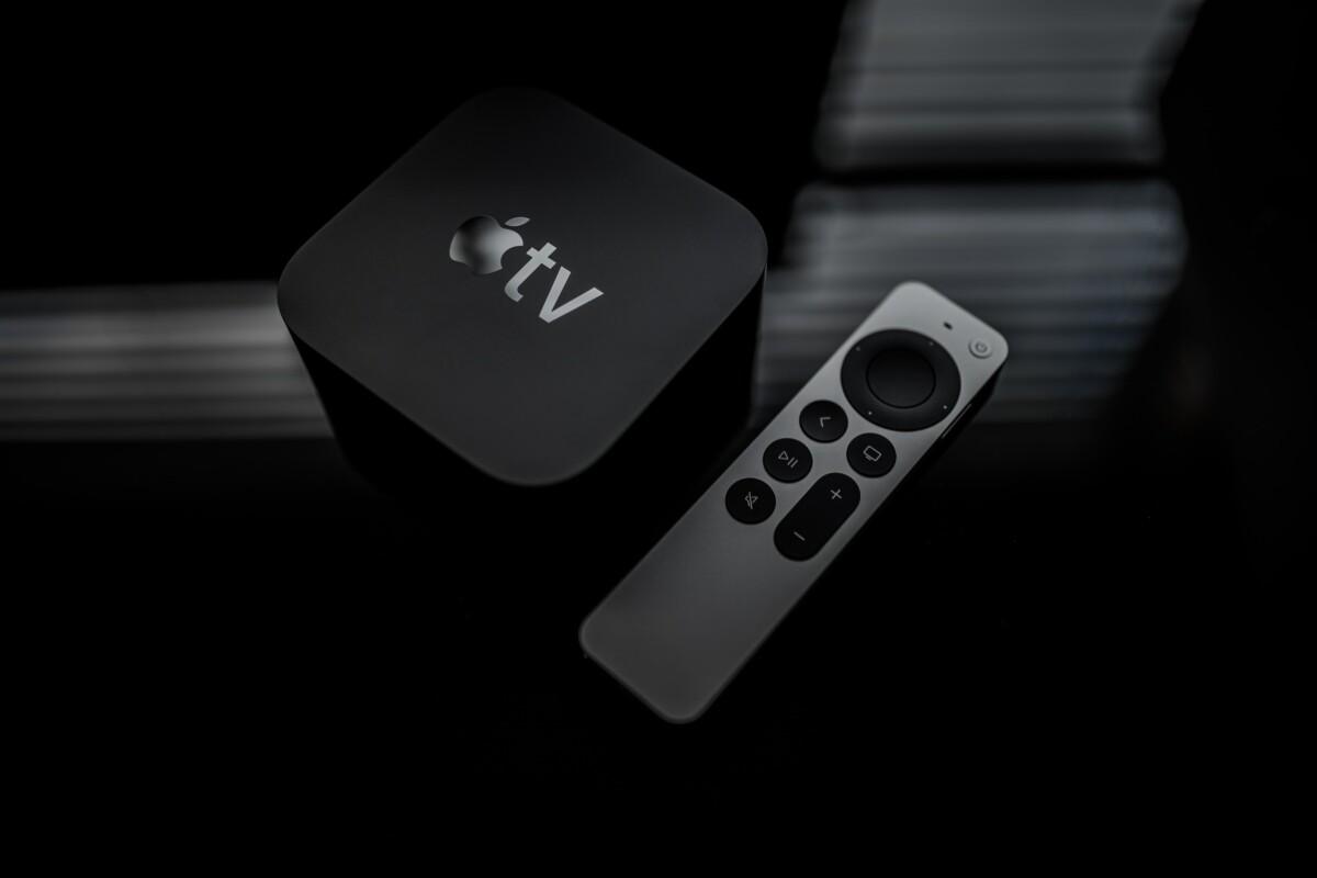 Le boîtier Apple TV 4K avec sa nouvelle télécommande