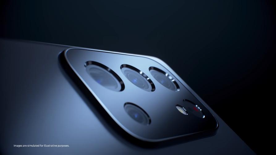 On aperçoit un capteur photo dans la vidéo, mais Samsung précise qu'il ne s'agit que d'une illustration, pas de celui du S22.