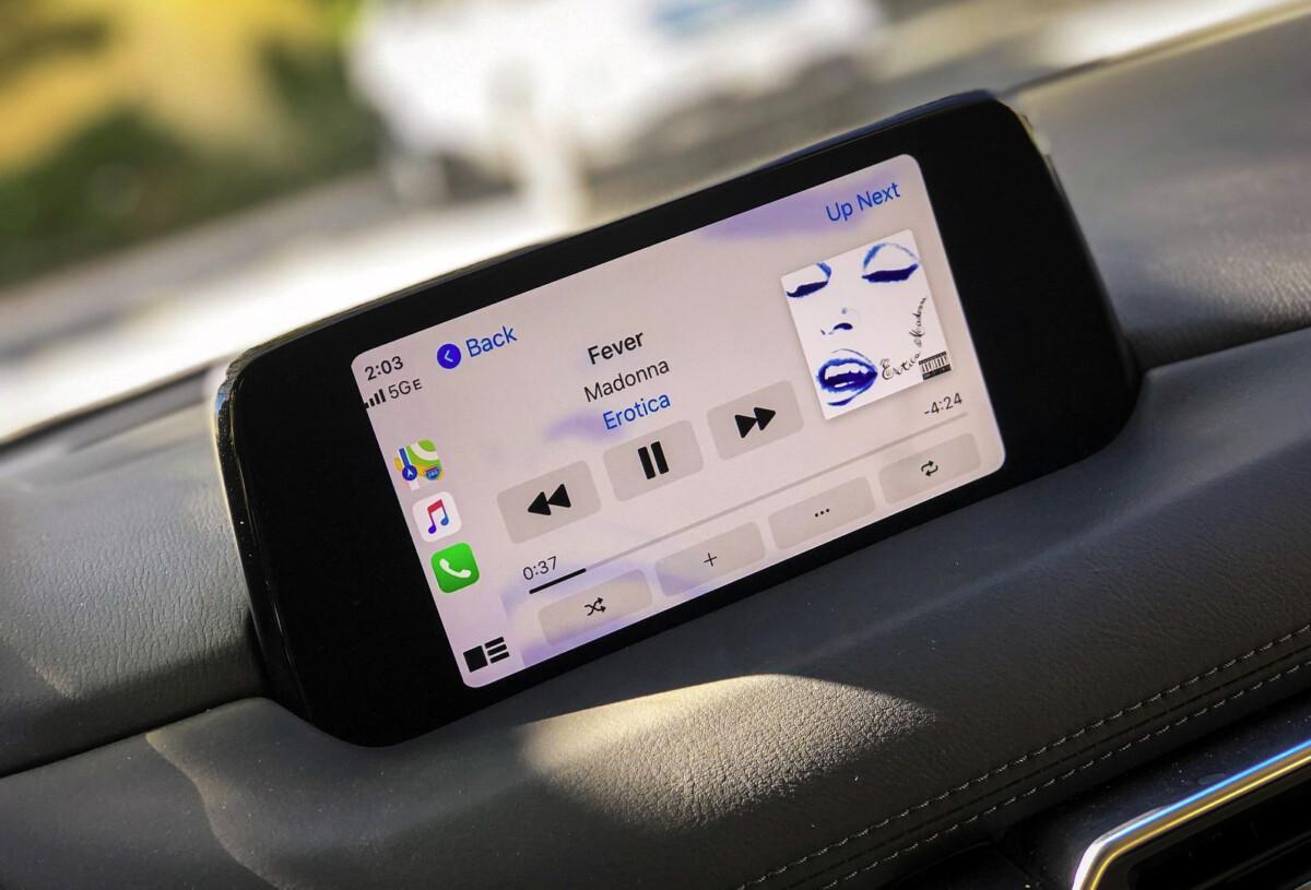 Face à Google, Apple ferait évoluer CarPlay : climatisation, compteur de vitesse, carburant et plus encore