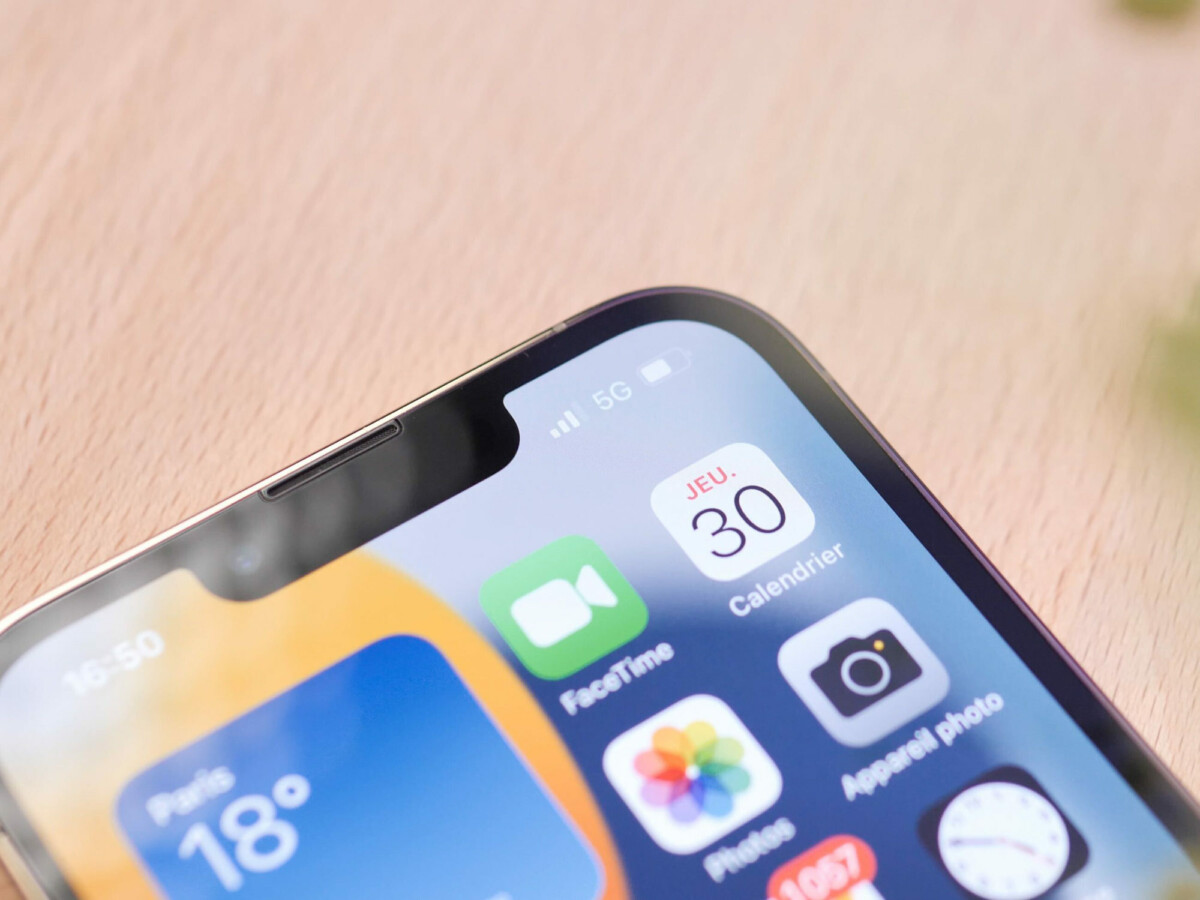 Le haut-parleur secondaire logé dans l'encoche de l'iPhone 13 Pro