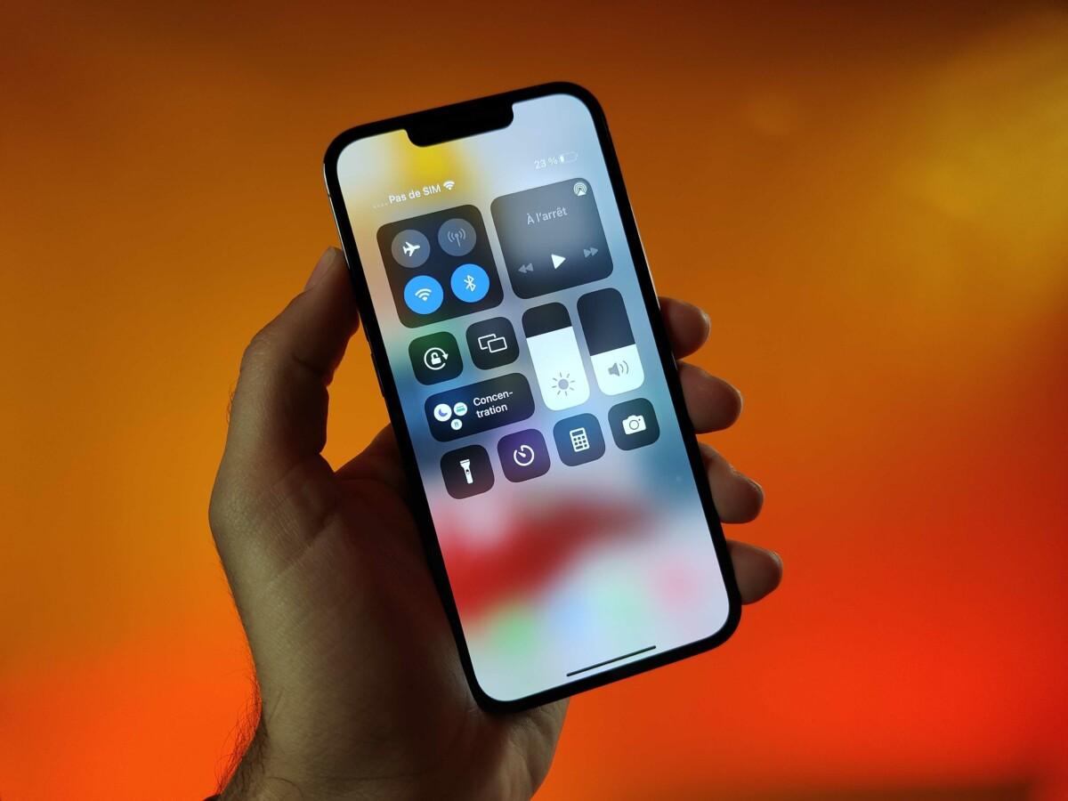 Le centre de contrôle sur iPhone