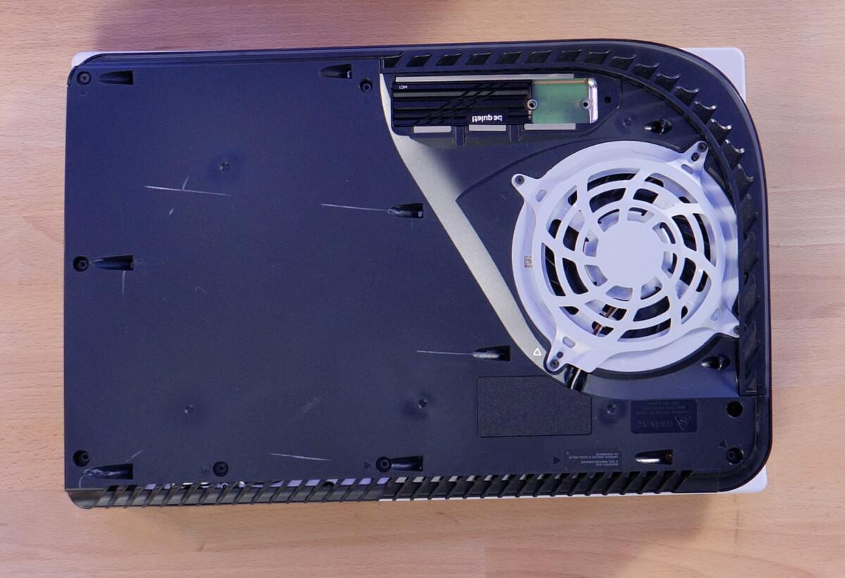 Il ne reste qu'à visser le SSD